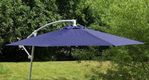 Velký modrý zahradní slunečník