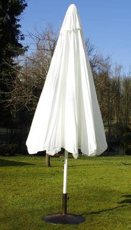 Nádherný bílý velký slunečník na zahradu