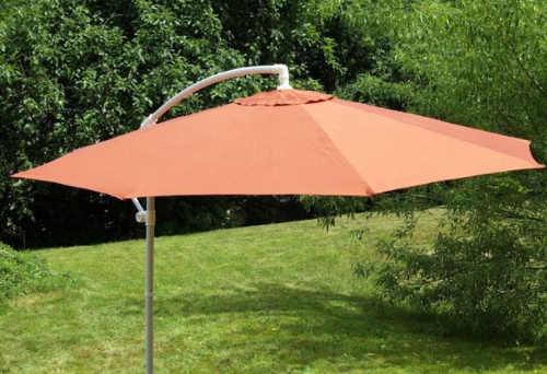 Oranžový zahradní slunečník s bočním uchycením klobouku