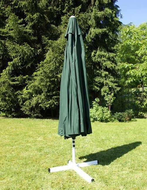 Tmavě zelený zahradní slunečník průměr 4 metry